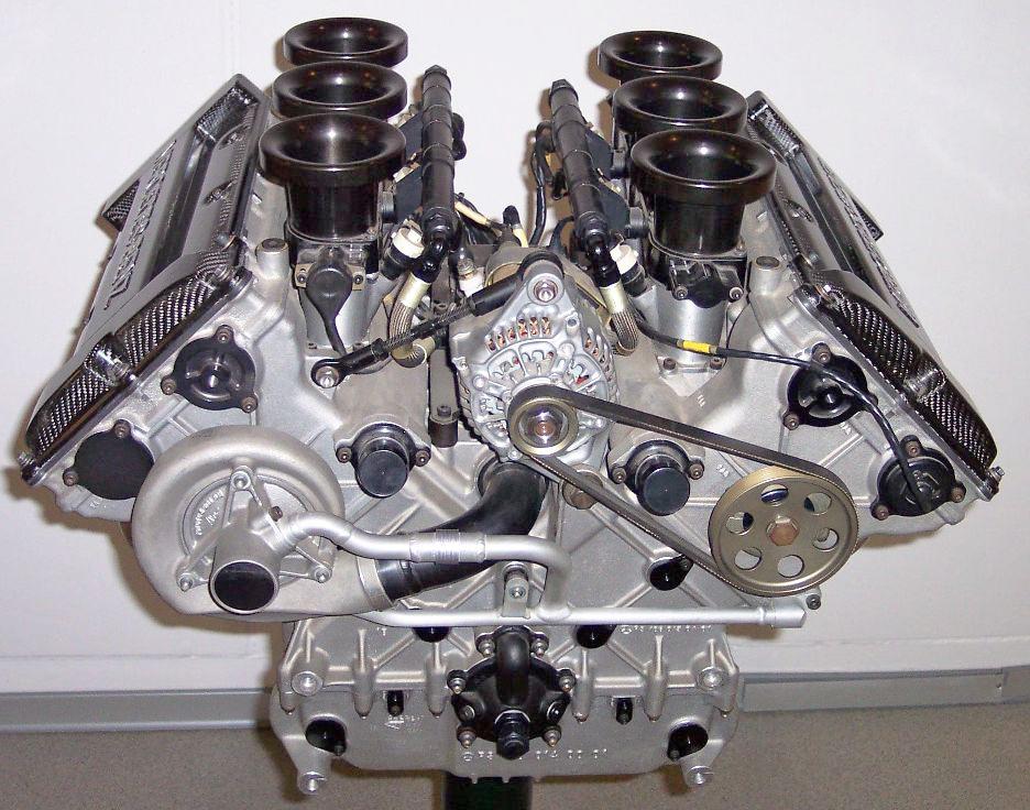 двигател на камиона